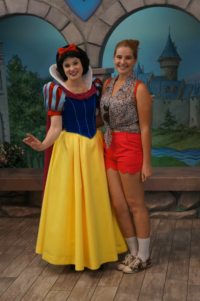 Kate and Snow White - Disneyland April 2012