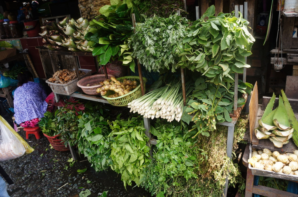 Saigon street eats tour - greenery included!
