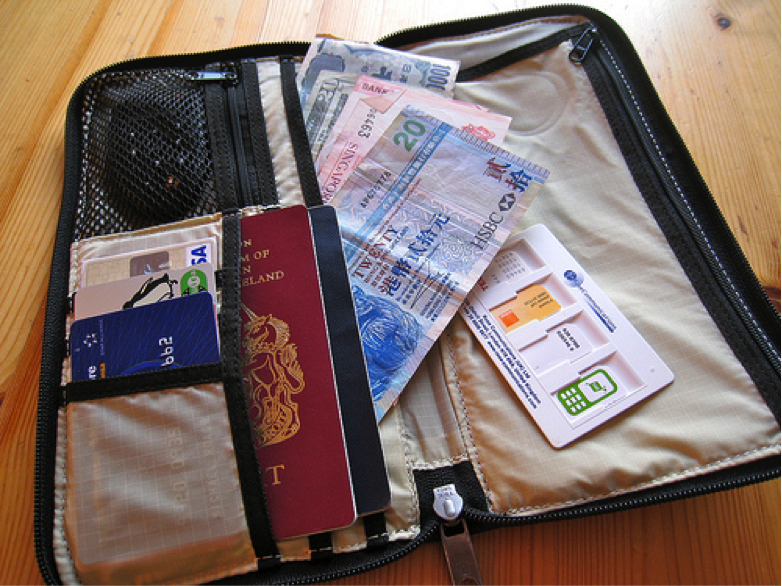 saving tips for travelling the world on a budget